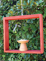 Make and paint a mini bird feeder